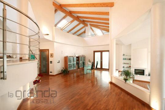 Interni casa di design la casa ecologica for Interni di casa contemporanea