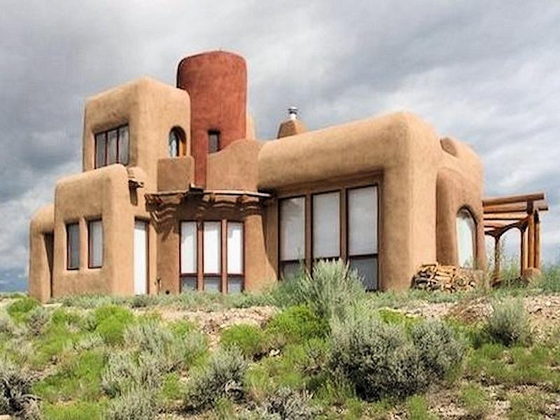 Realizzazione casa moderna in paglia
