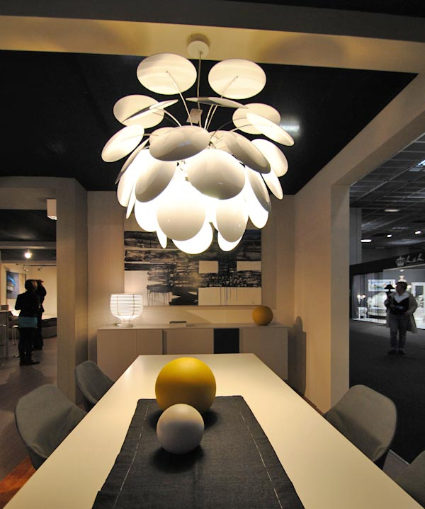 Tecnologia e design per l 39 illuminazione a led la casa - Lampadari design economici ...