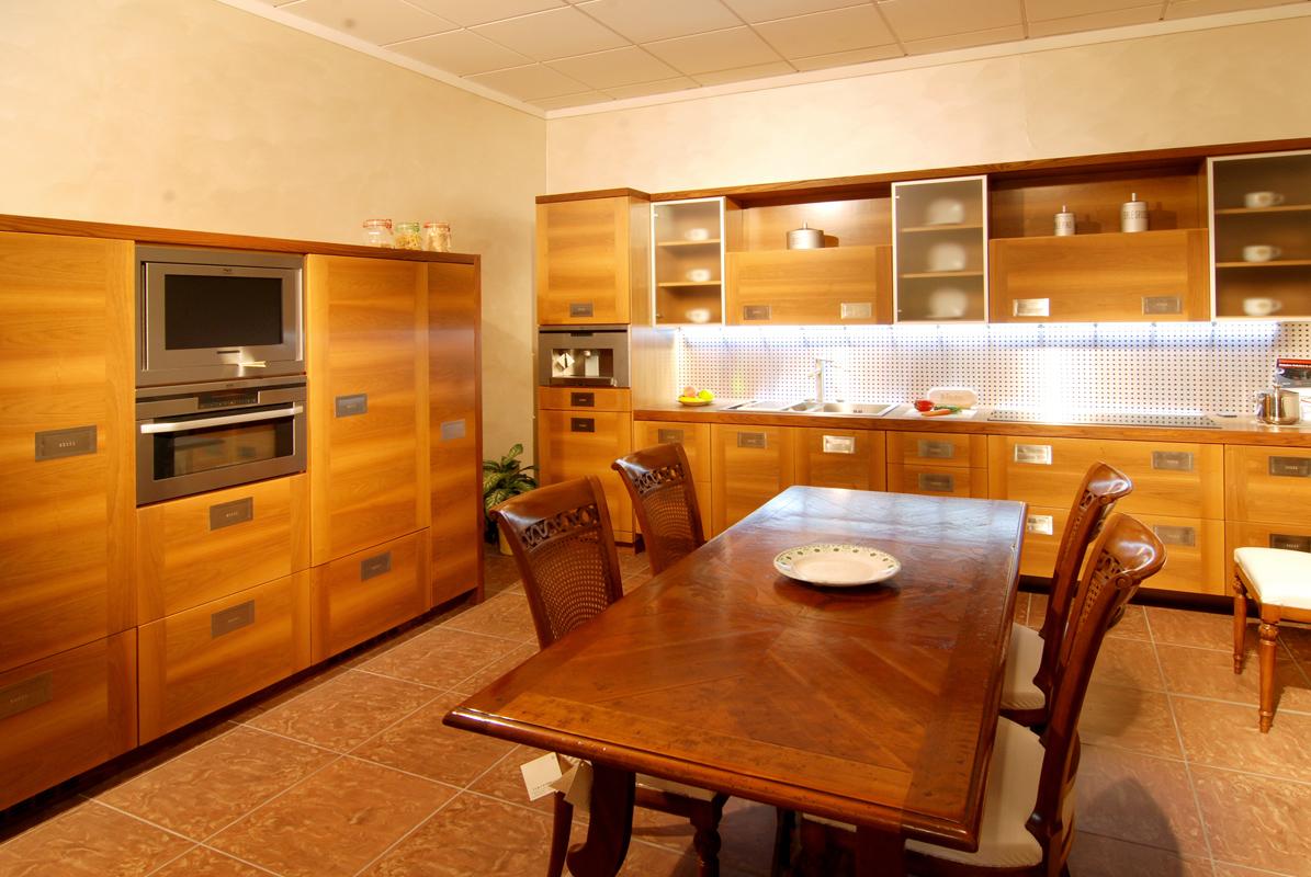 Cucina ecologica villosio francis grandacasa for Cucine legno massello