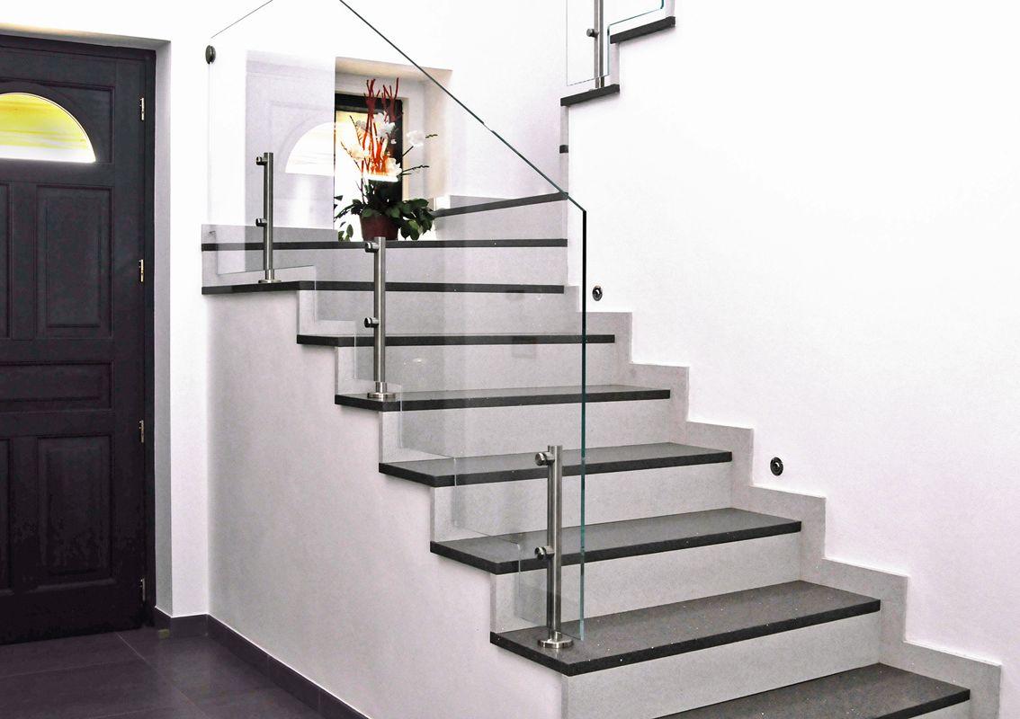 Parapetti scale interne struttura rampa scala con - Ringhiere in vetro per scale interne prezzi ...