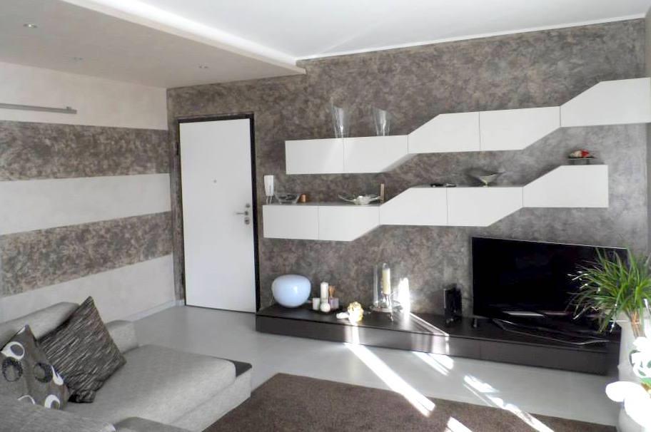 Tinteggiatura pareti grandacasa - Pitture particolari per interni casa ...