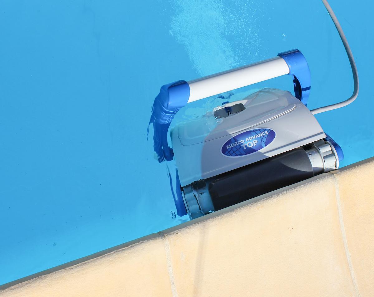 Robot pulitori piscine grandacasa for Accessori per piscine